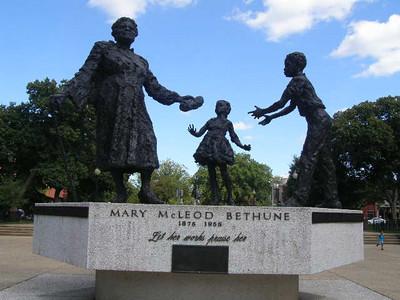 USA: Washington, DC Monuments (2009)