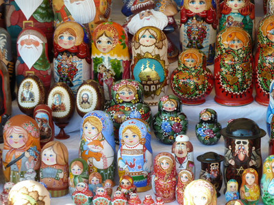matryoshka dolls (nesting, usually a total of five)