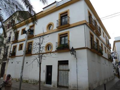 Plaza de Cañas - building where my apartment is