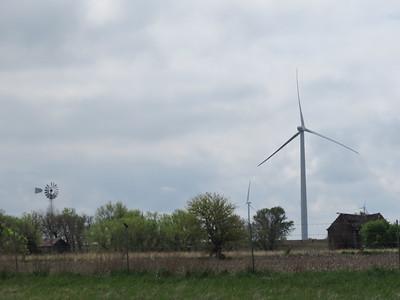IMG_9028 Wind Farm along I 70 in Kansas