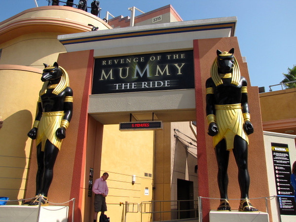 """The Mummy""... now that's one awesome and fast roller coaster ride... you go forwards and backwards... very cool! :-)"