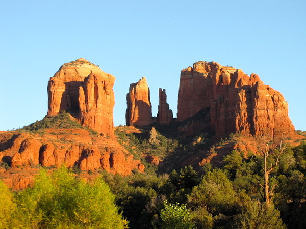 There's a closer look at where we just hiked... picturesque, isn't it! :-)