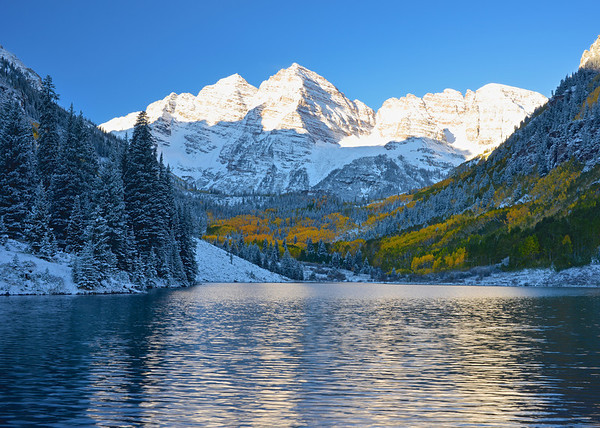 Sunrise at Maroon Bells, CO