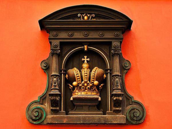 Golden Crown, Prague