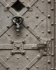 Metal Door, Prague