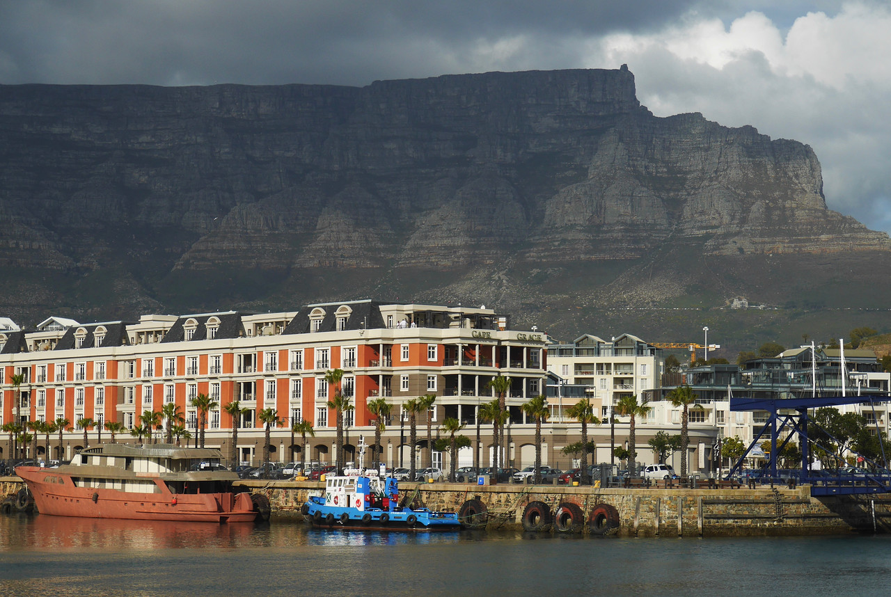 Another view of Table Mountain.