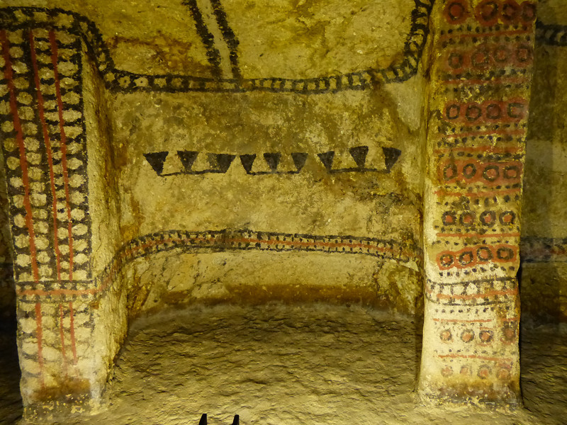 The tombs vary from 6 - 30 feet in diameter and some are 25 feet underground. Not much is known about the builders. It is thought they date from the 7th to 9th century.