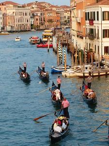 Venice - gondolos