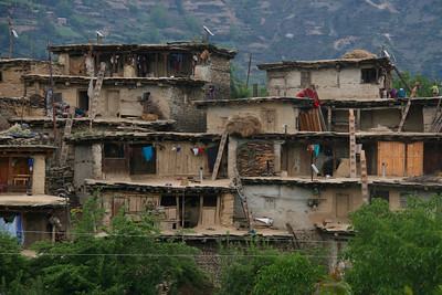 Some of the old buildings in Simikot look like the Anasazi ruins found in Utah and Arizona.
