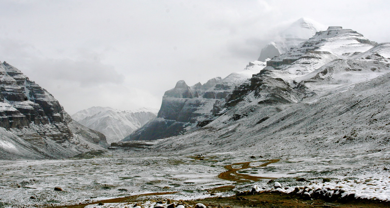 It snowed at night in Darchen and there is snow everywhere as we start the Kora. However, at these high elevations, the snow melts quickly. The average elevation of the plateau around Mt Kailash is about 15,000 feet.