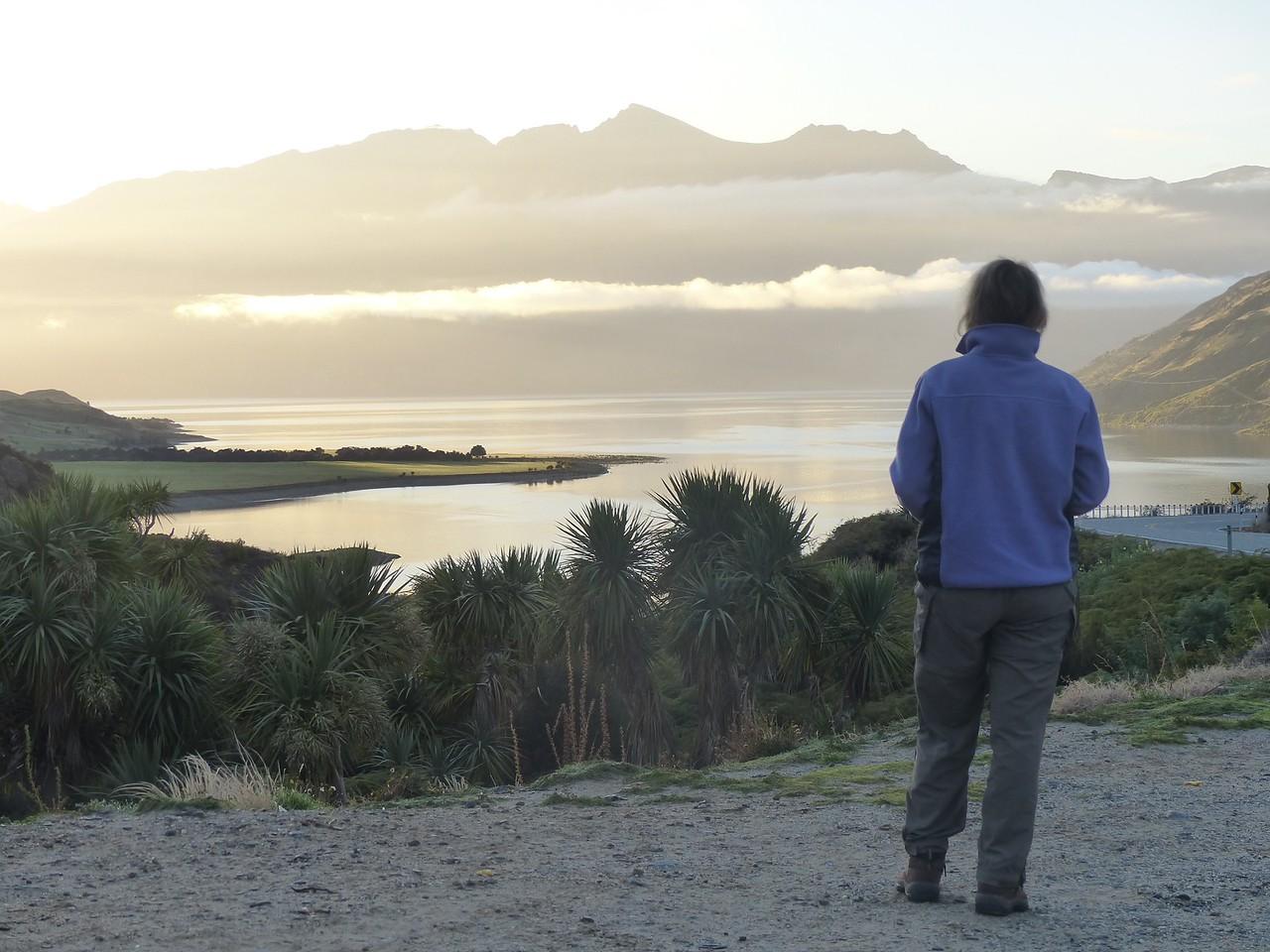 Early morning drive from Makarora to Wanaka.