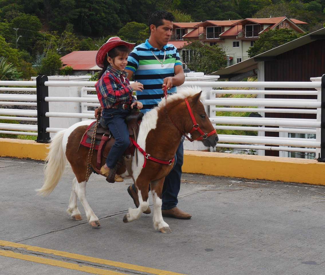 Boquete - Kids got to ride ponies.
