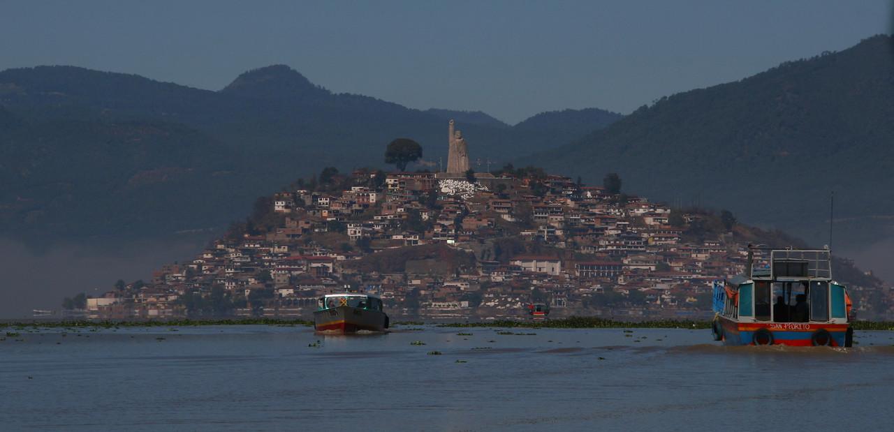 Boatride to Isla Janitzio
