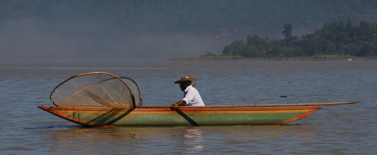 Isla Janitzio, fisherman