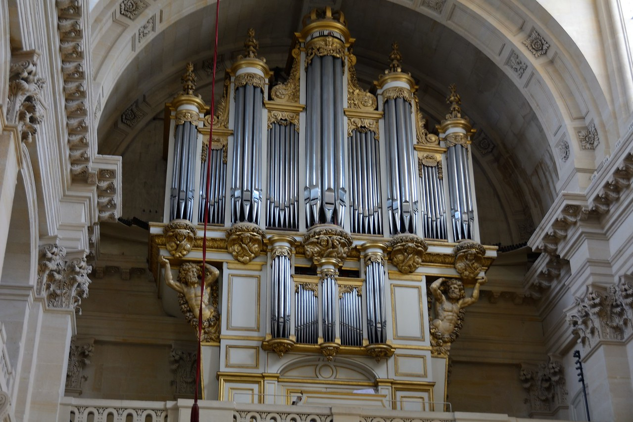 Pipe Organ in Cathedral of Saint-Louis des Invalides