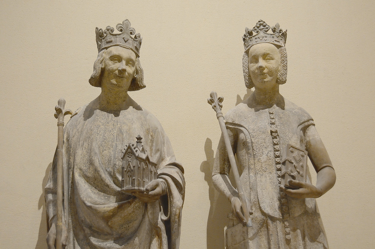 Gothic statues of Charles V and Joanna of Bourbon, third quarter of 14th century
