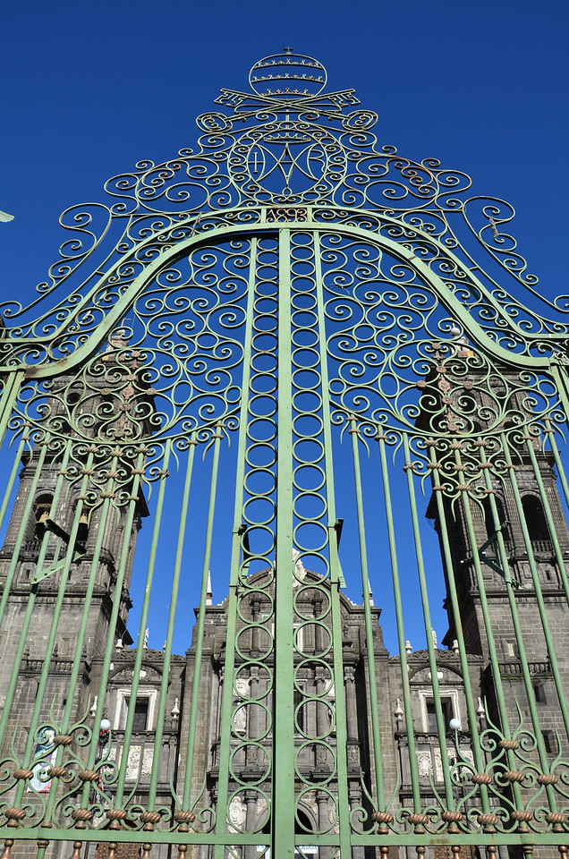 The front gates to the Puebla Cathedral