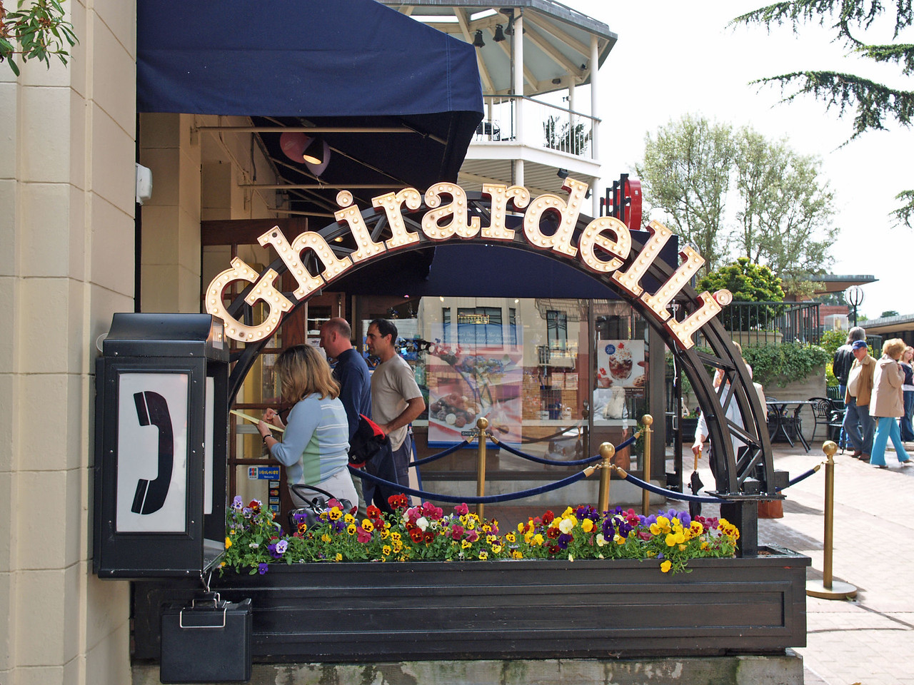 Pot O' Chocolate at the end of the Ghirardelli bow