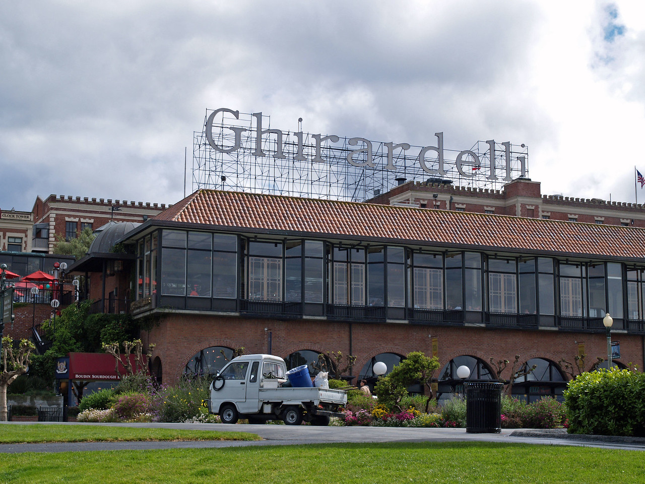 San Francisco declares Ghirardelli Square an official city landmark