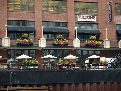 One of the many restaurants along the Chicago River