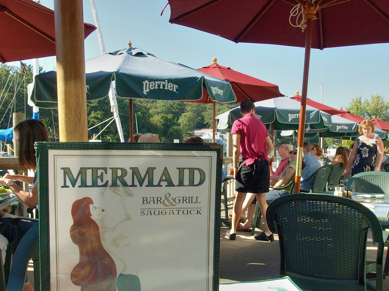 Mermaid Bar & Grill