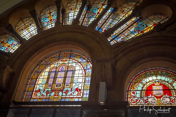 A must see when visiting Sydney. They dont make shopping centres like this anymore!