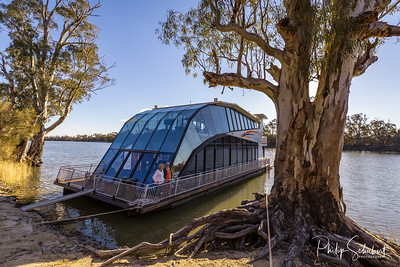 Houseboat Boatel on the Murray River