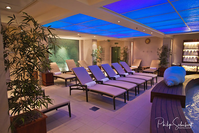 Canyon Ranch Spa Club - On most occassion only one of two other people would be using the pool. Images on and around the Queen Mary 2