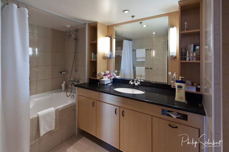 Ensuite Bath  - Princess Grill Suite Deck 9