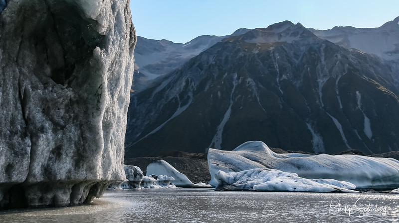 Landscape view the foot of the Tasman glacier and Icebergs in the glacial lake, Aoraki National Park, New Zealand