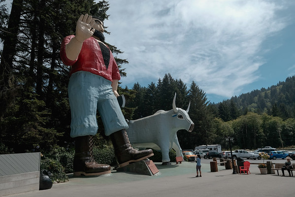 Paul Bunyan and the Blue Ox