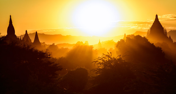 """Sunlit Valley"" @ Old Bagan (Myanmar)"