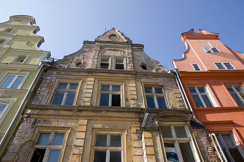 Refurbished against old houses in the Old Town