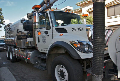 Vactor Truck Uses High Pressure Water and Vacuum to Clean Sewer Lines