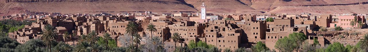 Kasbah and city of Asfalou between Todra Gorge and Tineghir - close up