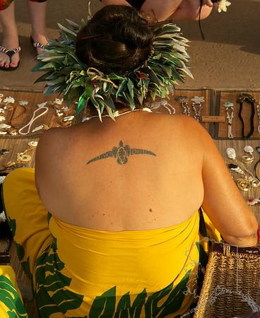 Hawaiian native woman selling hand made jewelry at the Old Lahaina Laua.