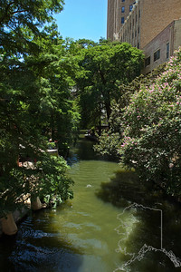 I had some time before the flight so we went down to the River Walk. Just a few shots while we were there.
