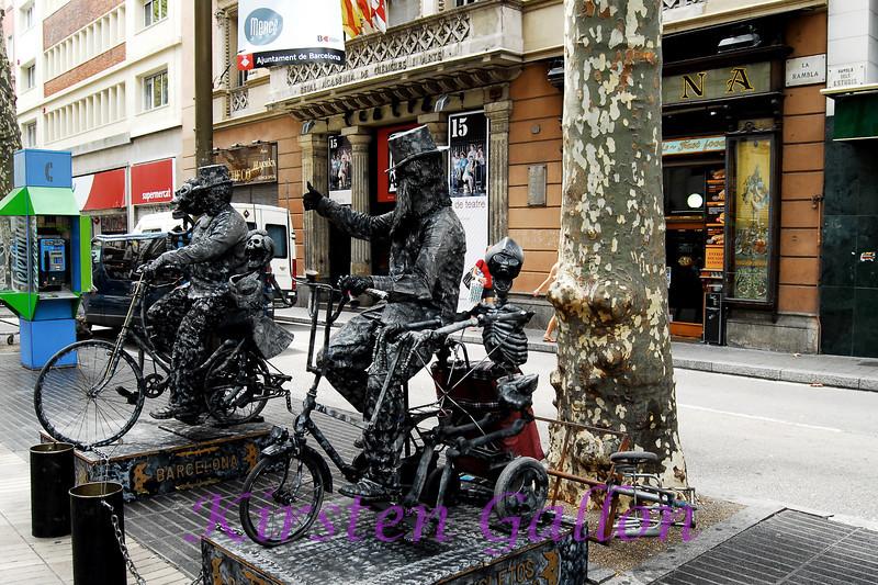 Human Statues.