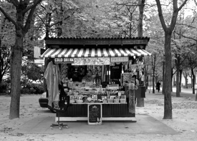Vendor,  Paris France