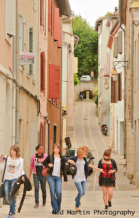 Street scene in Foix with schoolgirls