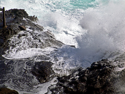 Closeup of Halona Blowhole in action