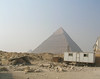 Building in front of Khafra's pyramid