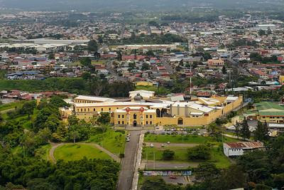 Museo Nacional del Niño, ubicado en la que fuese la Penitenciaría Central de Costa Rica, la cuál se fundó desde 1909 y estuvo en funcionamiento por 70 años. Al fondo se observa el norte la ciudad de Tibás y el mítico Estadio Ricardo Saprissa.