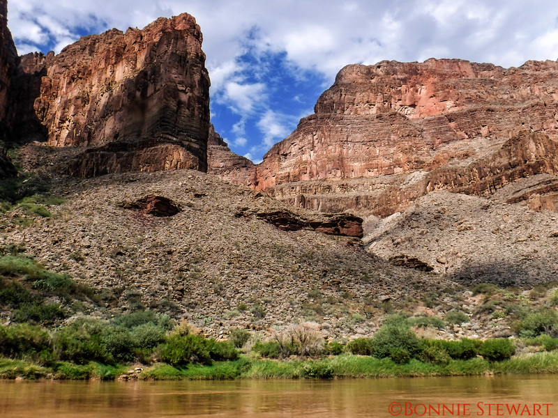 Scenery at the bottom of the Grand Canyon