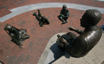 Street Statues - Annapolis