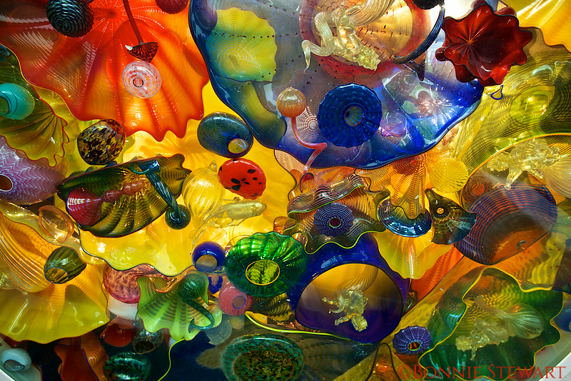 Entrance to the Art Deco Hawaii exhibit, Honolulu Museum of Art.  Glass sculpture by Dale Chihuly.