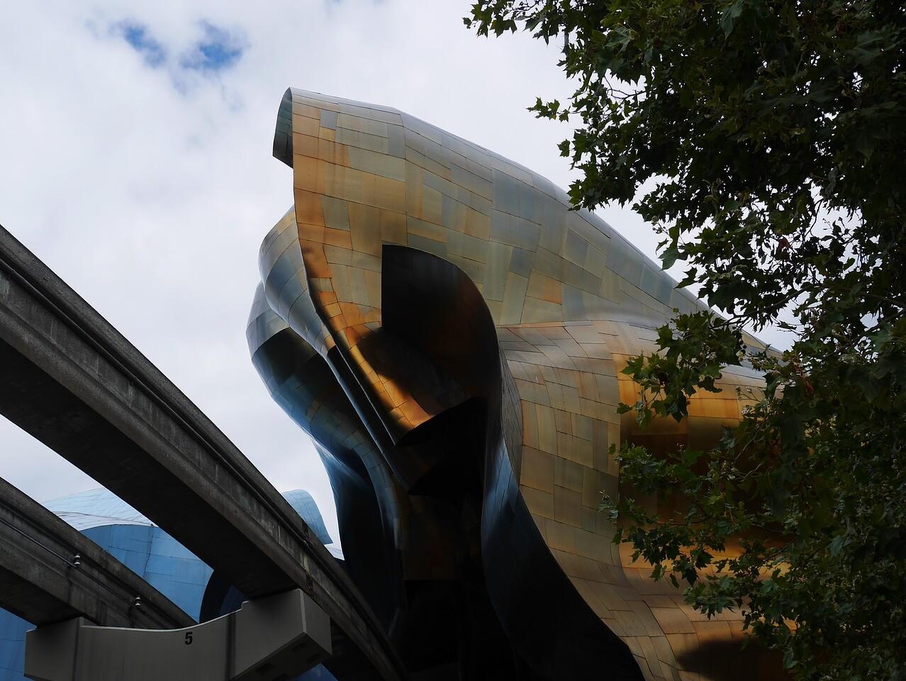 Seattle- Monorail + Pop Art Museum