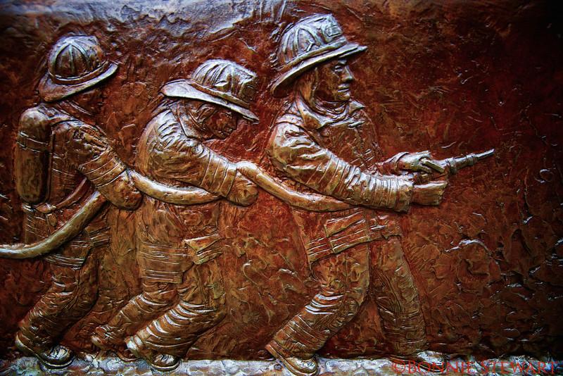 Bronze plaque honoring the fallen heroes