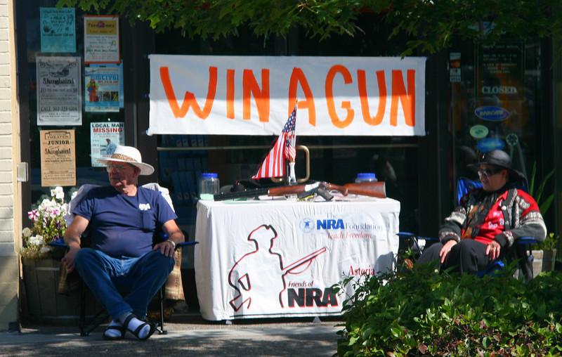 Astoria - Win a Gun