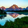 Sunrise at Snake River, Oxbow Bend and Mount Moran in the distance